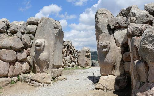 Lion Gate, Hattusa, Turkey	(CC BY-SA 3.0)
