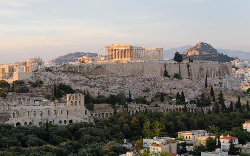 Acropolis of Athens, with Odeon of Herodes Atticus seen on bottom left. (CC BY-SA 3.0)