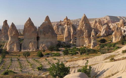 Fairy Chimneys rock formation near Göreme, in Cappadocia. (CC BY-SA 3.0)