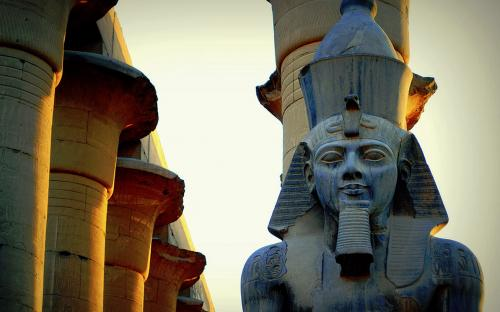 Ramses II in Luxor Temple(CC BY-SA 3.0)