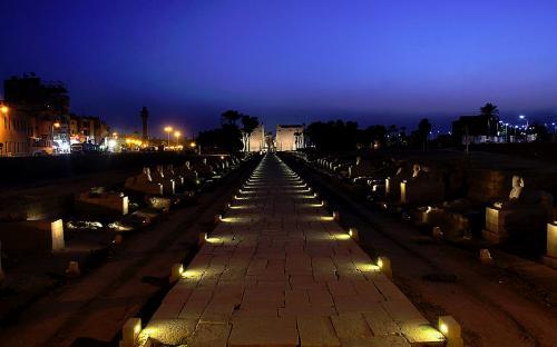 Luxor temple at Night(CC BY-SA 4.0)