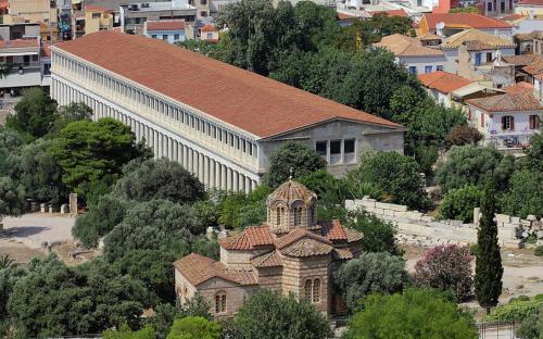 The Byzantine Church of the Holy Apostles next to the Stoa of Attalos(CC BY-SA 3.0)