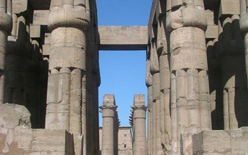The central corridor of the temple. (Public Domain)