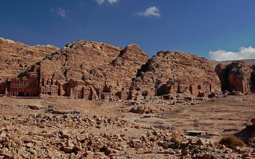 View of the Royal Tombs in Petra (CC BY-SA 3.0)