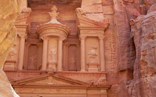 Al Khazneh / The Treasury at Petra (CC BY-SA 3.0)