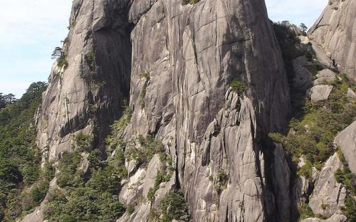 A rock formation in Huangshan (CC BY-SA 2.0)