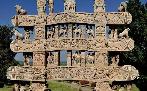 Carved decoration of the Northern gateway to the Great Stupa of Sanchi. (CC BY-SA 3.0)