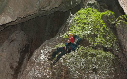 Rapelling down a Tayos cave