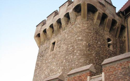 One of the defending towers. (CC BY-SA 3.0 ro)