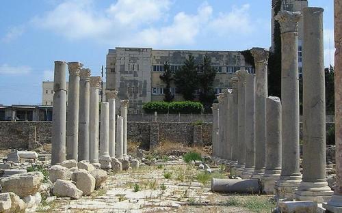 Al Mina excavation area – supposed Roman agora. (CC BY-SA 2.5)