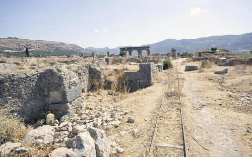 Edge of the excavated area at Volubilis (CC BY-SA 3.0)