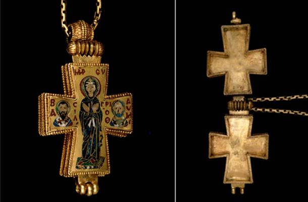 Example of an 11th century Byzantine reliquary cross from The British Museum. It opens to reveal an approximately 1 cm deep space inside which would have held a relic. (© The Trustees of the British Museum)