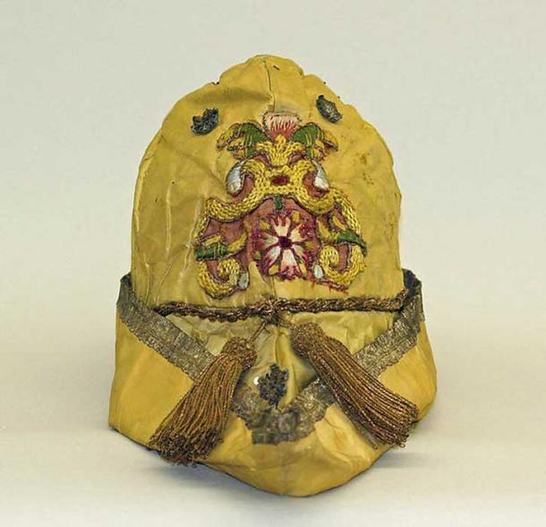 16th century silk hat.