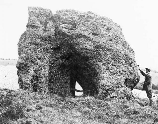 A 1911 photo of the Blidworth Druid Stone viewed from the west shows the monument hasn't changed in the last hundred years. (British Geological Survey materials / NERC)