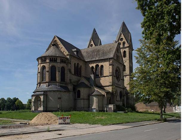 The beautiful 19th century church, that no longer exists.
