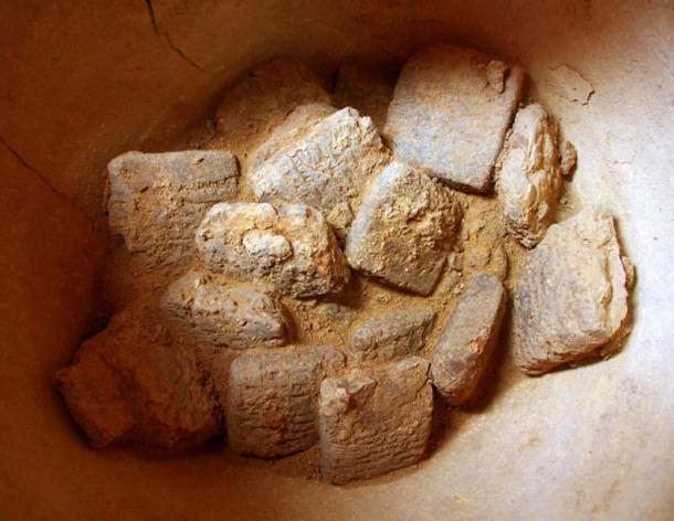 3,250-year-old cuneiform tablets were found inside a clay vessel at the archaeological site of Bassetki in the Kurdistan region of northern Iraq. Image credit: Peter Pfälzner, University of Tübingen.