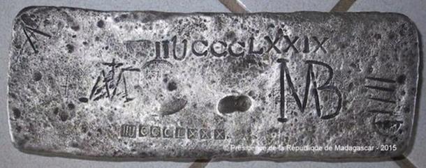 The 50kg silver bar found off the coast of Madagascar. Credite: Presidence de la Republique de Madagascar.