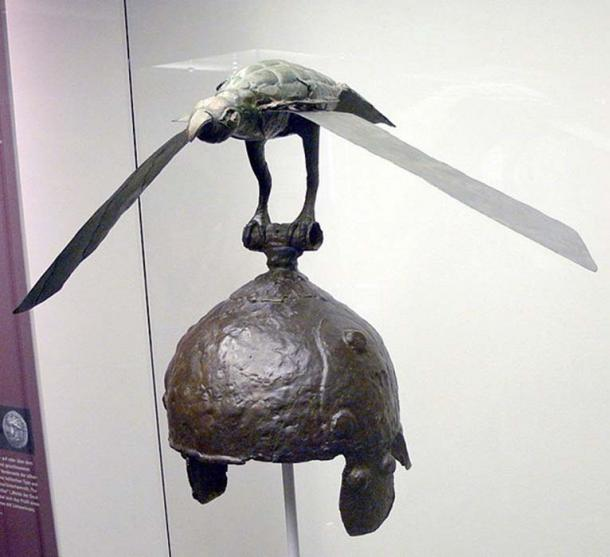 A 3rd century B.C. Celtic winged helmet from Romania. Image: CC BY-SA 3.0)