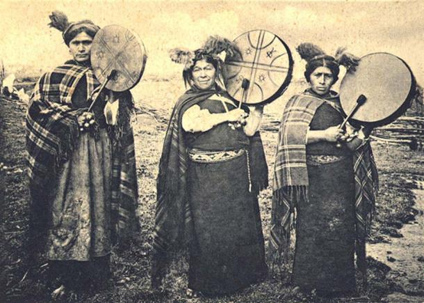 A Machi is a shaman or (usually) a good witch in the Mapuche culture of South America; and is also an important character and the Mapuche mythology. (Public Domain)