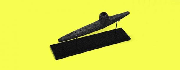 A Mapuche stone pipe. (Magenta)