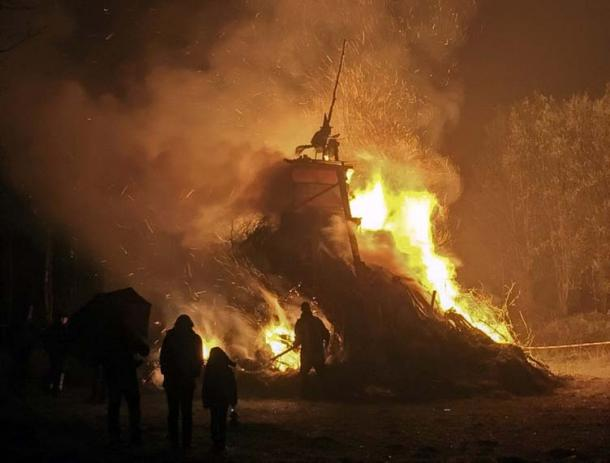 A Walpurgis Night bonfire. (CC0)