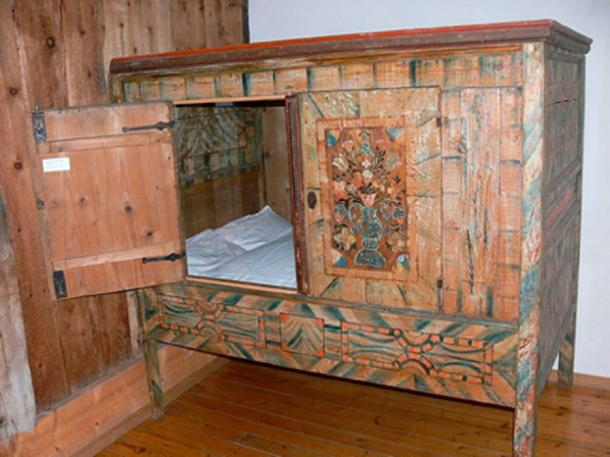 A box bed from the 18th century. Source: Wolfgang Sauber/ CC BY SA 3.0