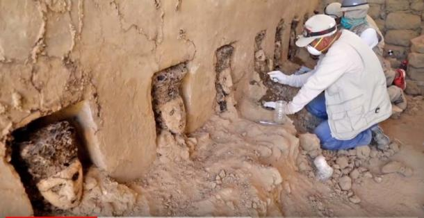 A corridor of statues have been found at Chan Chan ancient city site in Peru. (Image:Youtube Screenshot)