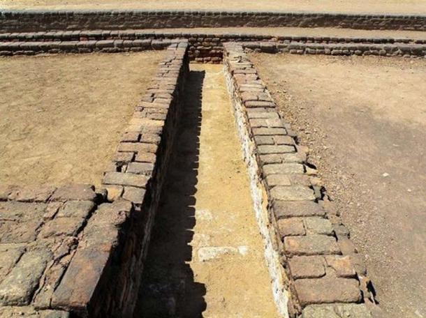 A drain at Lothal. (Raveesh Vyas/CC BY SA 2.0)