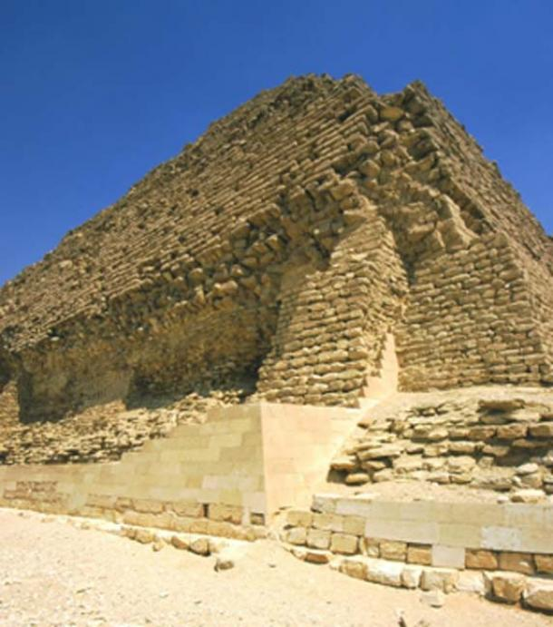 A dry moat surrounds the Pyramid of Djoser. (ALFIO FERLITO / Adobe Stock)