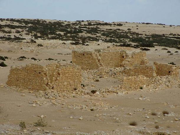 A large ruin in Haluza. (CC BY-SA 3.0)