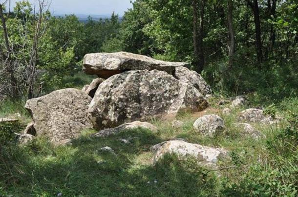 A megalithic tomb (dolmen) just below the summit of the Puig Rodó (1056 m, Moià, Comarca de Bages, Catalonia, Spain). (Vincent van Zeijst/CC BY SA 3.0) The first Iberian dolmens were created by Neolithic people.