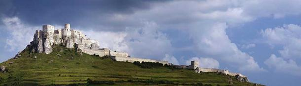 A panoramic view of Spis Castle in Slovakia. Source: (CC BY-SA 3.0)