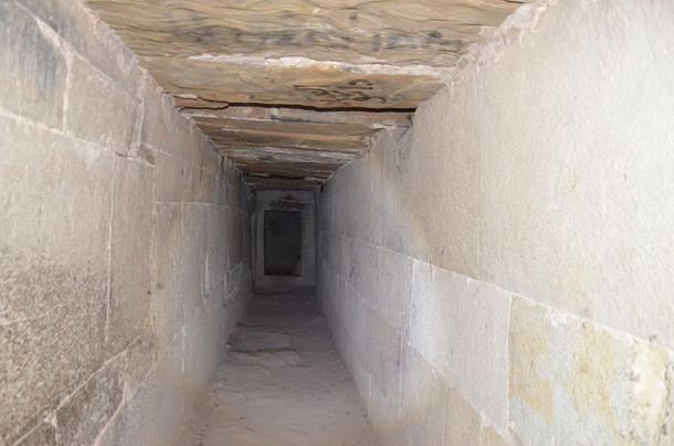 A passage with a jedar (CC BY-SA 4.0)