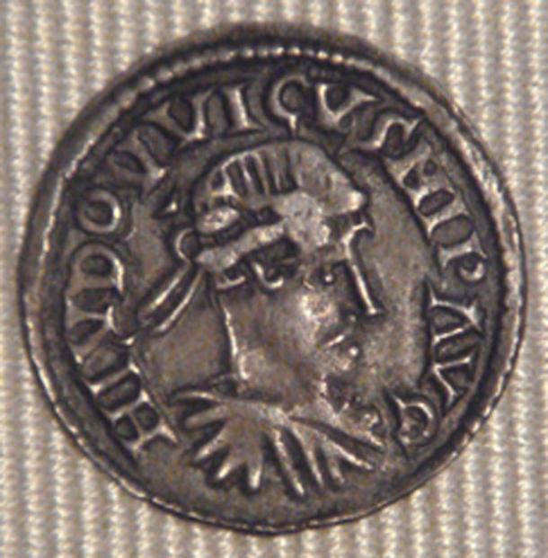 A silver coin showing the Frankish emperor Louis the Pious was found by the metal detectorists. (World Imaging / CC BY-SA 3.0)