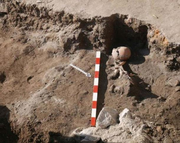 A skeleton with an arrow in or at the chest has been discovered in a burial from the 11th-12th century AD.