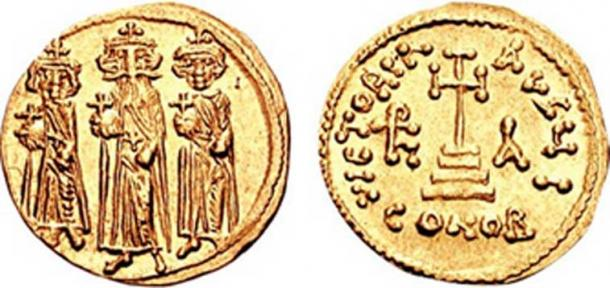 A solidus or solid gold coin depicting Heraclius and his two sons. (Panairjdde / CC BY-SA 3.0)