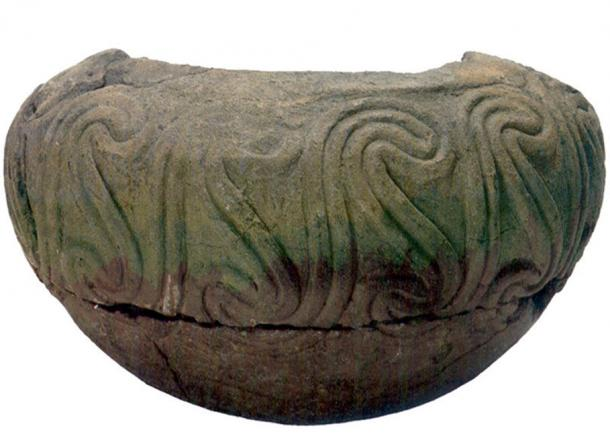 A typical pottery vase of the Neolithic Butmir culture. (Prof saxx/CC BY SA 3.0)