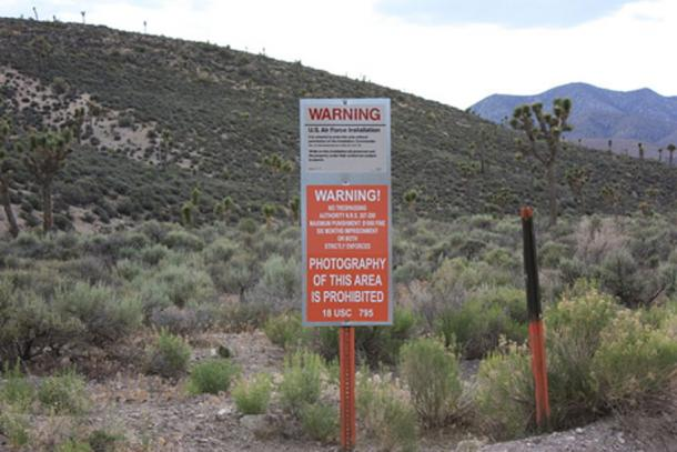 A warning sign at Area 51 Groom Road gate. (Tim1337/CC BY SA 3.0)