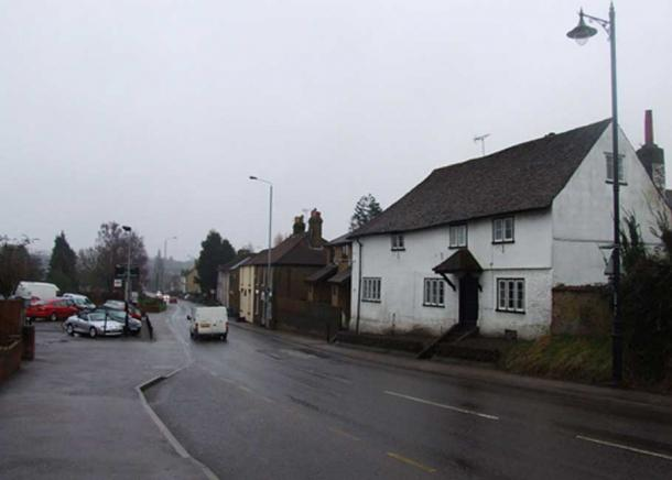 A2 High Street, Newington, Kent. (Chris Whippet / CC BY-SA 2.0)