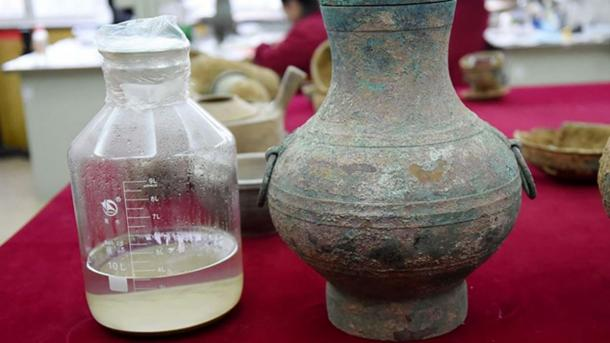 About 3.5 liters of the liquid, now said to be an ancient Chinese elixir of life, were found in a bronze bottle. (Kaznews.kz)