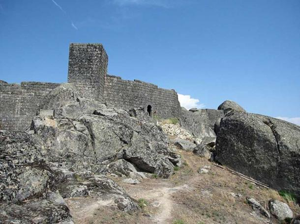 Above the village is a medieval castle/fortress that originated in the 12th century.