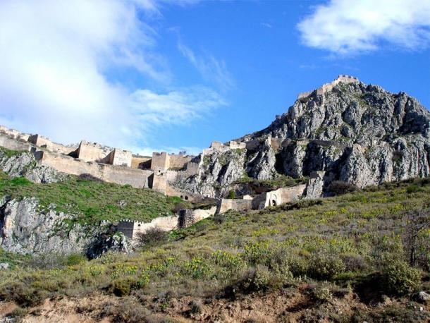 The Achaean League took the Acrocorinth from the Macedonians. (Elveoflight / CC BY-SA 3.0)