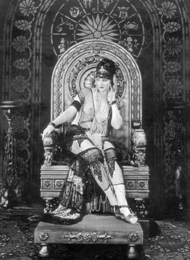 Actress Betty Blythe - La legendaria Reina de Saba y su encuentro con el rey Salomón