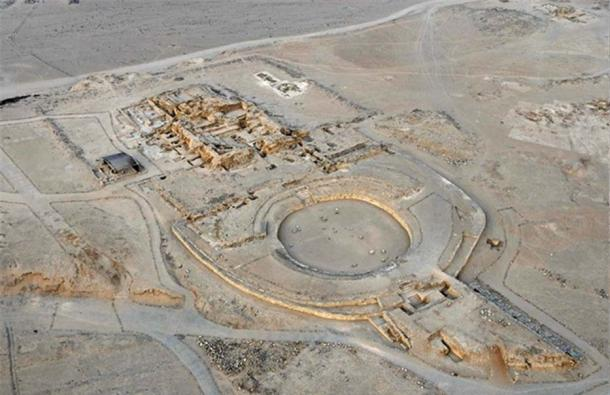 Aerial photo of the 'Caral Amphitheater.' There is debate whether the Norte Chico Civilization is 'urban' enough to be called a civilization, or if it should be called a complex society instead.