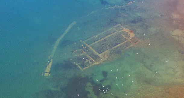 Aerial photo of the church ruins.