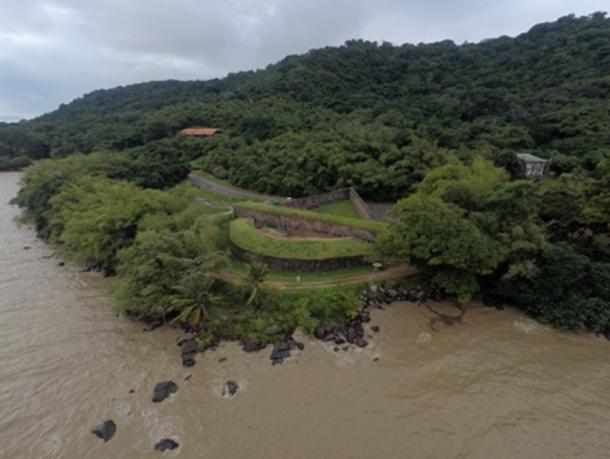 Aerial view of Fort Diamant (CC BY-SA 4.0)