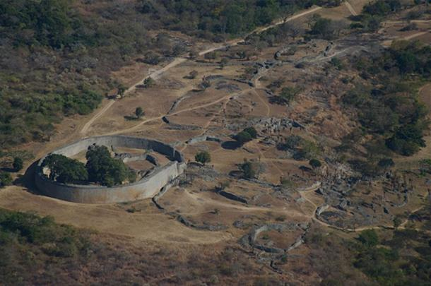 Aerial view of Great Zimbabwe's Great Enclosure and adjacent ruins looking southeast from the Hill Fort. (Janice Bell/CC BY SA 4.0)