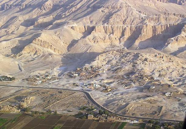 Aerial view of the Tombs of the Nobles. The buildings belong to Sheikh Abd el-Qurna. Lower left corner: Ramesseum.