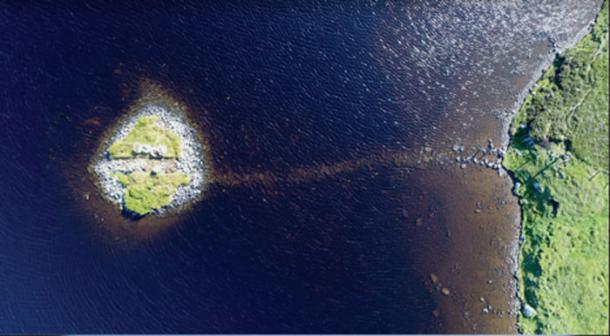 Aerial views of the crannogs in Loch Bhorgastail. (F. Sturt / Antiquity)