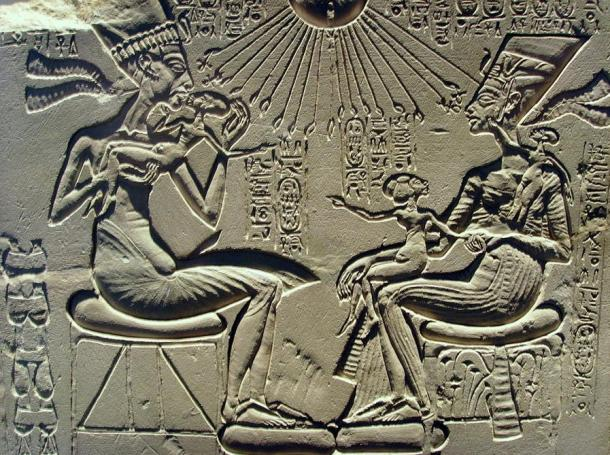 Akhenaten, Nefertiti and their children.